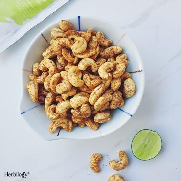 Moringa Baked Cashews